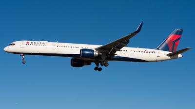 N588NW - Boeing 757-351 - Delta Air Lines