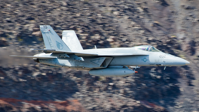 165901 - Boeing F/A-18E Super Hornet - United States - US Navy (USN)