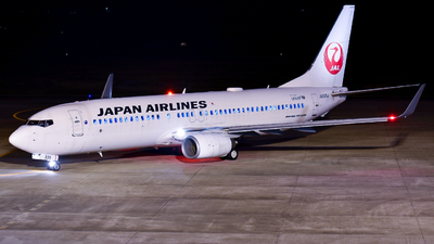 JA335J - Boeing 737-846 - Japan Airlines (JAL)