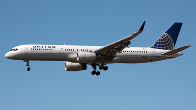 N34131 - Boeing 757-224 - Continental Airlines