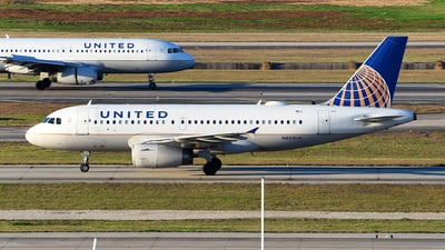 A picture of N803UA - Airbus A319131 - United Airlines - © Rocky Wang