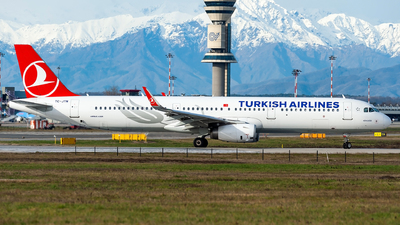 A picture of TCJTN - Airbus A321231 - Turkish Airlines - © Lorenzo Delucchi