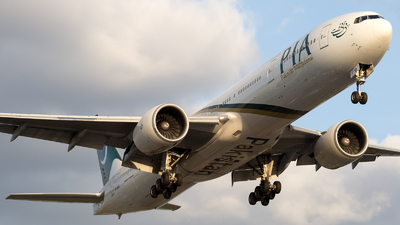 AP-BID - Boeing 777-340ER - Pakistan International Airlines (PIA)