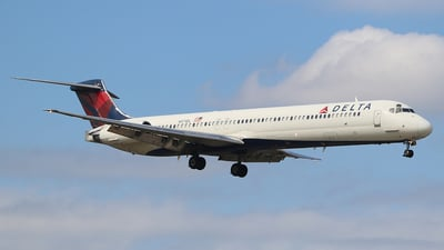 A picture of N971DL - McDonnell Douglas MD88 - USA Jet Airlines - © Joshua Ruppert