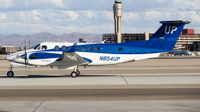 N854UP - Beechcraft B300C King Air 350C - Wheels Up