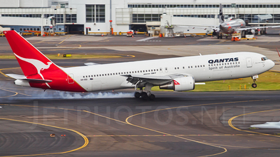 VH-OGI - Boeing 767-338(ER) - Qantas