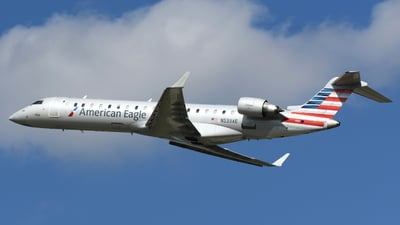 A picture of N533AE - Mitsubishi CRJ702ER - American Airlines - © DJ Reed - OPShots Photo Team