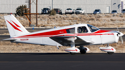 N6869W - Piper PA-28-140 Cherokee - Private