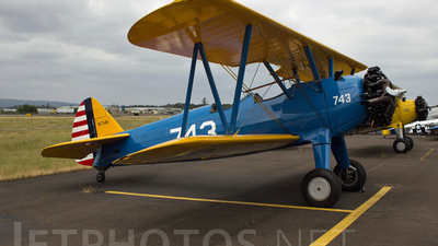 N1734B - Boeing E75 Stearman - Private