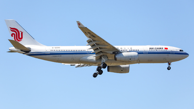 B-6090 - Airbus A330-243 - Air China