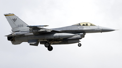 609 - Lockheed Martin F-16CJ Fighting Falcon - Singapore - Air Force