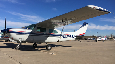 A picture of N5203A - Cessna T210N Turbo Centurion - [21063306] - © Jaiden