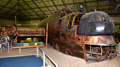 W1048 - Handley Page Halifax Mk.II - United Kingdom - Royal Air Force (RAF)
