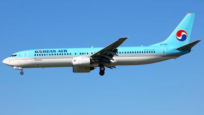 A picture of HL7724 - Boeing 7379B5 - Korean Air - © Benjamin J. Suh