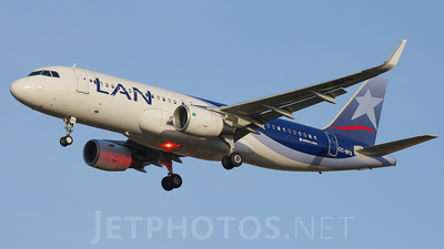 CC-BFS - Airbus A320-214 - LAN Airlines