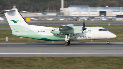 A picture of LNWIU - De Havilland Canada Dash 8100 - Wideroe - © Richard Toft