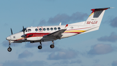 SE-LLU - Beechcraft B300 King Air 350 - Hummingbird Aviation Services