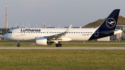 A picture of DAINV - Airbus A320271N - Lufthansa - © Moritz Babl