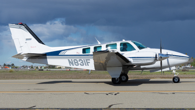 A picture of N831F - Beech 58 Baron - [TH1805] - © Taylor Kim