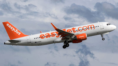 G-EZWJ - Airbus A320-214 - easyJet