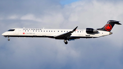 C-FRJA - Bombardier CRJ-900LR - Air Canada Express (Jazz Aviation)