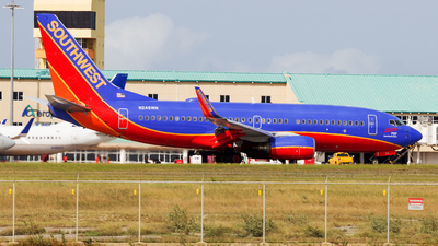 A picture of N248WN - Boeing 7377H4 - Southwest Airlines - © Hensley Garcia