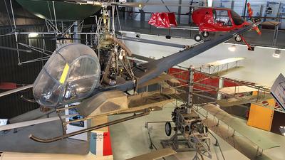 699 - Hiller UH-12B - France - Air Force