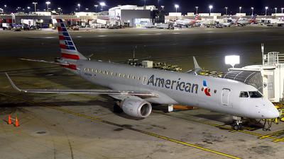 N945UW - Embraer 190-100IGW - American Airlines