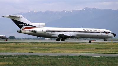 N418DA - Boeing 727-232(Adv) - Delta Air Lines