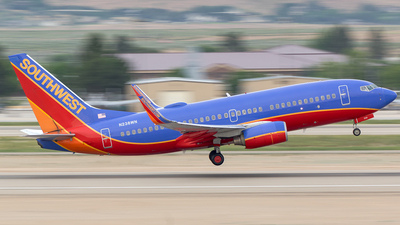 N238WN - Boeing 737-7H4 - Southwest Airlines