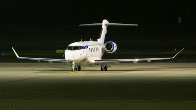 VP-CPF - Bombardier BD-100-1A10 Challenger 350 - Alliance Air