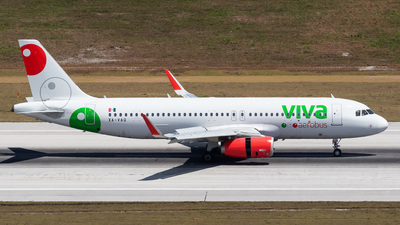 A picture of XAVAQ - Airbus A320232 - VivaAerobus - © Marcel Hohl