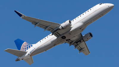 A picture of N80348 - Embraer E175LR - United Airlines - © Yixin Chen