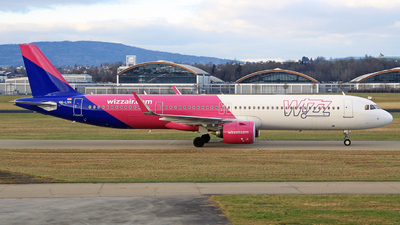 A picture of HALVH - Airbus A321271NX - Wizz Air - © Manfred Franke