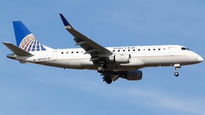 A picture of N87360 - Embraer E175LR - United Airlines - © Alec Mollenhauer