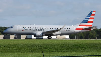 A picture of N133HQ - Embraer E175LR - American Airlines - © DJ Reed - OPShots Photo Team