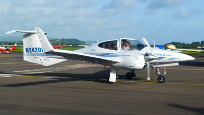 N242DP - Diamond DA-42 Twin Star - Private