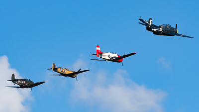 VH-KTY - Curtiss P-40 Kittyhawk - Private