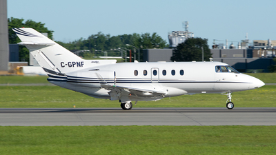 C-GPNF - Raytheon Hawker 900XP - Execaire