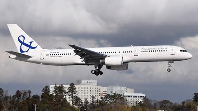 A picture of TFFIW - Boeing 75727B - Icelandair - © Akihiko Takahashi