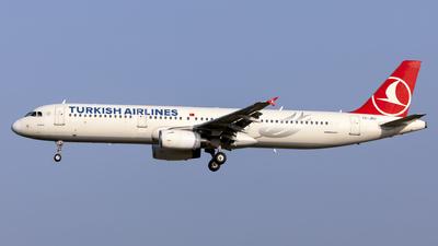 A picture of TCJRU - Airbus A321231 - Turkish Airlines - © Kris Van Craenenbroeck