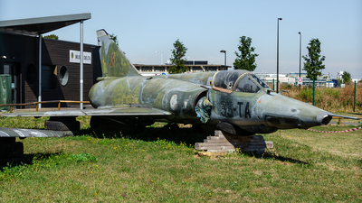 352 - Dassault Mirage 3RD - France - Air Force