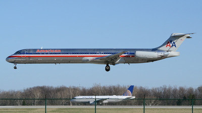 A picture of N473AA - McDonnell Douglas MD82 - [49648] - © DJ Reed - OPShots Photo Team