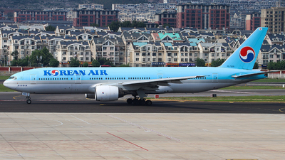 A picture of HL7526 - Boeing 7772B5(ER) - Korean Air - © Jerry Zheng