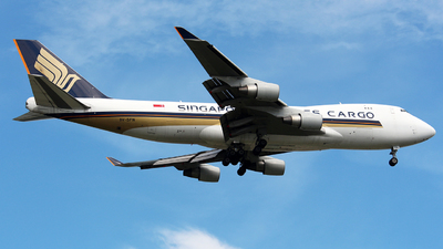 A picture of 9VSFN - Boeing 747412F(SCD) - Singapore Airlines - © WangJL