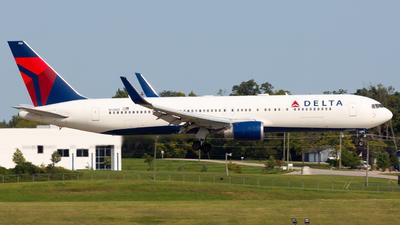 N174DZ - Boeing 767-332(ER) - Delta Air Lines