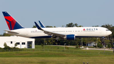 A picture of N174DZ - Boeing 767332(ER) - Delta Air Lines - © Donald  E Moore