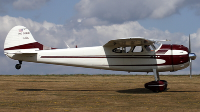 NC3081B - Cessna 195 - Private