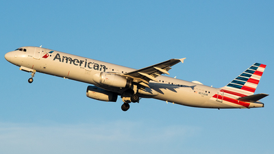 A picture of N572UW - Airbus A321231 - American Airlines - © John Newsome