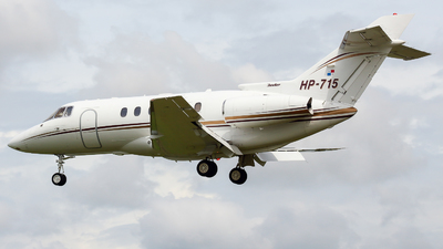 HP-715 - Raytheon Hawker 800XP - Private